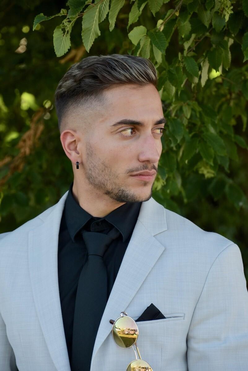 Herren irokesenschnitt Männer Frisur